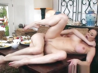 Hot Cougar Kendra Lust Gets Nailed And Facialized