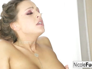 Nicole Aniston  Abigail Mac in Perfectly Stacked Nicole  Abigail Lick Each Others Pussies - Nicole.