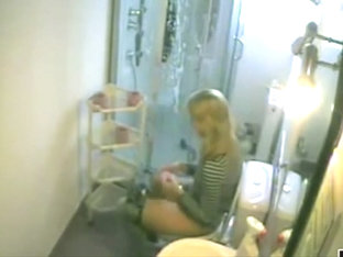 Dutch Blonde in Bathroom 02