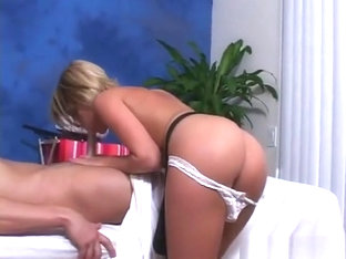 Sexy Blonde Angel Gets Her Bald Wet Crack Plowed Really Hard