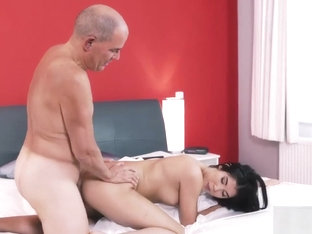 Teen Bikini Handjob Older Gentleman And His Princess