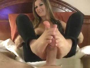 Kelly Anderson is the Footjob Queen