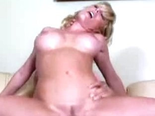 Hawt Blond mother I'd like to fuck Holly Sampson Banging