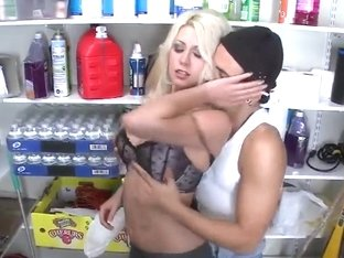 Blonde Jazy Berlin fucks with horny guy Voodoo