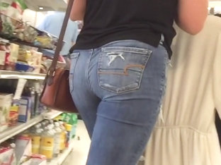 PAWG Nice Ass in Jeans is Thrifty