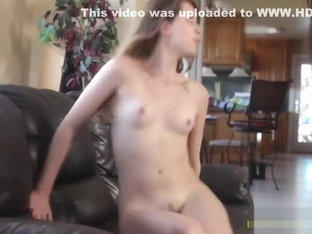 Experienced lezbo MILF sits on faces