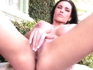 Laura Lee strips and plays with her pussy