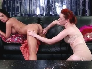 Justin Jolie and Kirsten Price in hot lez action