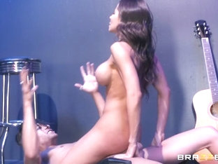 Madison Ivy & Xander Corvus in Xanders World Tour - Ep.1 - BrazzersNetwork