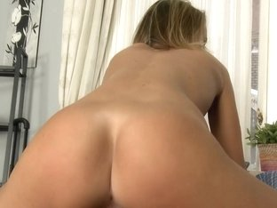 MikesApartment - Sweet buns
