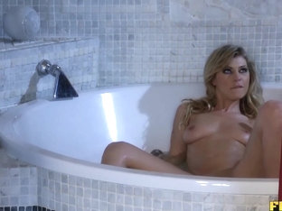 Hot Bath And Anal Sex Date With Kristy Lust