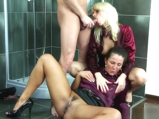 Pissdrinking Babes Cockriding And Sucking