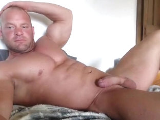 strongandhard073 non-professional episode on 06/10/15 from chaturbate