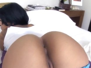 Brunette latina Elena Heiress shows her big ass