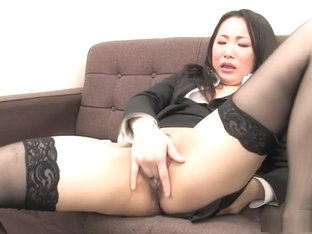 Ai Mizushima gets bored in the office and ends up fingering herself
