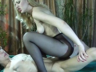 PantyhoseLine Movie: Ninette and Harry