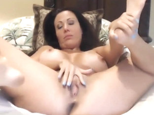 AMY FISHER FINGERING HER TIGHT LITTLE CUNT live