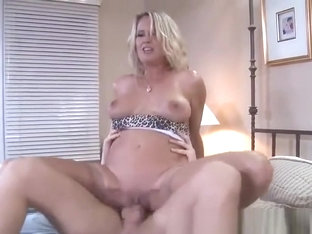 Beauteous busty mom Bridgett Lee in stockings