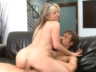 Carolyn Reese & Richie in My Wife Shot Friend