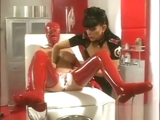 Latex Lesbians In A Clinic
