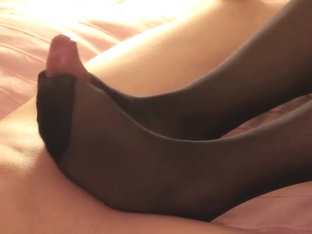 Hot Nylon Footjob by Elouise