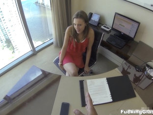 Fucking Glasses - Lia Ezra - Lunch break secretary fuck