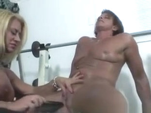 Muscled Lesbians Tease