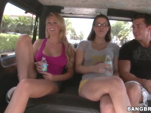 Pussy wagon goes up with pretty chicks