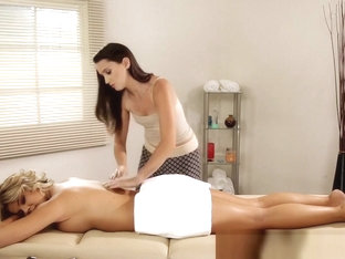Busty Milf Scissoring With Admirable Masseuse