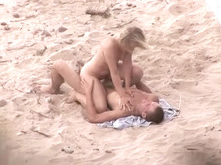 Awesome blonde hottie gets banged in hot beach porn video