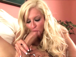 Hot bikini blonde Holly Brooks goes in for some action in her mouth and cunt