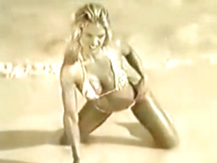 Victoria Pratt - hot bikini photoshoot from the '90s
