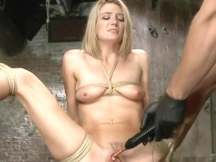 Beautiful First Timer Gets Stretched and Nailed