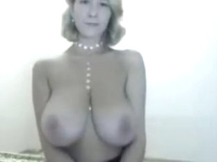 Webcam - saggy tits