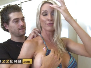 Brazzers Main Channel - Emma Starr Xander Corvus - Boobies Issues