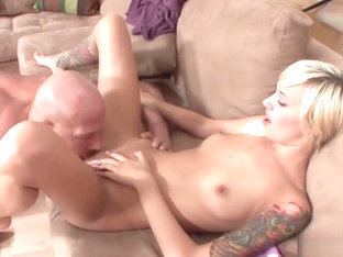 Dagfs Emma Mae Bendsover And Gets A Massive Dick Up Her Sli