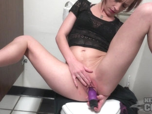 Des Moines Iowa Public Toilet Masturbating Video With Sexy First Timer Avery - NebraskaCoeds