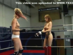 Muscular Dyke Pussylicked After Wrestling