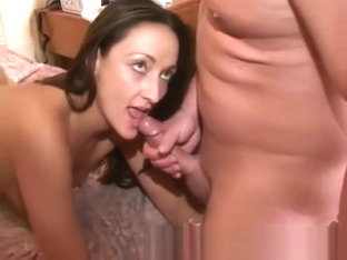 CUM SWAPPING THREESOME  REAL AMATEUR MFF GROUP