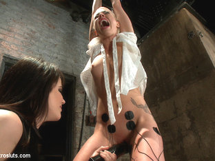 Lorelei Lee & Bobbi Starr in Lorelei Lee, A True Electroslut - Electrosluts