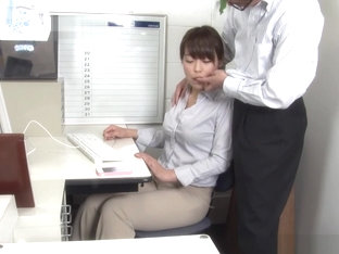 Ruri Jouta naughty Asian office lady gives amateur blowjob
