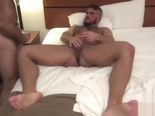 Muscle bear raw and cumshot