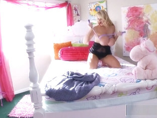 KELLY MADISON - Boobies in Bedland Solo Action