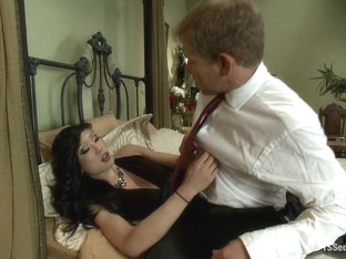 TS Venus and her Giant Cum Load Seducing Her Body Guard