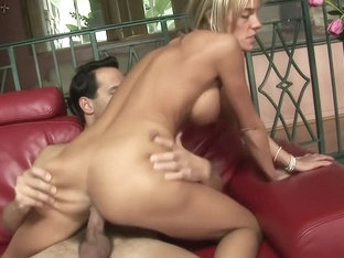 Big tittied blonde whore with short hair gets down to play rough