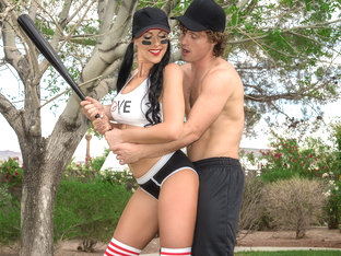 Texas Patti & Robby Echo in Mommys Got Some Bazookas - BrazzersNetwork