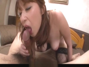 Araki Hitomi sensual woman, plays dirty on a big cock