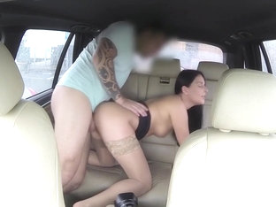 Sexy Blue Eyes Babe Fuck In Taxi