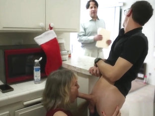 Mom has her way while dad's away, a fukd up xmas vid