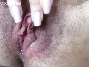 wet hairy pussy big clit jerking in close up